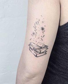 Awe-inspiring Book Tattoos for Literature Lovers - KickAss Things - beautiful book tattoo designs ©️️ tattoo artist NW / Laura Martinez 💟📚💟📖💟📚💟 Mini Tattoos, New Tattoos, Body Art Tattoos, Small Tattoos, Tatoos, Random Tattoos, Tattoos Skull, Arrow Tattoos, Friend Tattoos