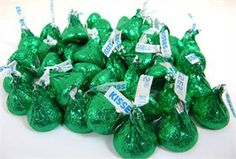 Ladies: after Xmas and St. Patty's let's look for these for my weddding!!! Color Esmeralda - Emerald Green!!! Hersheys Kisses