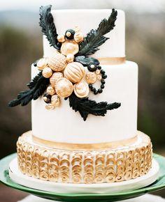 Black, white, and gold modern wedding cake