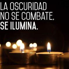 La oscuridad no se combate #Instagram de #proZesa  Instagram frases instagram proZesa
