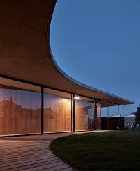 Familienhaus Jarovce von Compass Architekti in Bratislava, Slowenien Maison Atrium, Casa Atrium, Bratislava, Beautiful Space, Decoration, Luxury Homes, Architecture Design, Home And Family, Interior Decorating