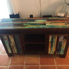Top funky table ronde peinte coloré autour des tables en   Etsy Colorful Kitchen Tables, Painted Kitchen Tables, Painted Coffee Tables, Reclaimed Vintage, Reclaimed Doors, Wood And Metal Table, Wood Table, Pipe Table, Rustic Table