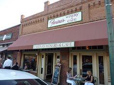 Farina's Winery & Cafe