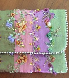 Wonderful Ribbon Embroidery Flowers by Hand Ideas. Enchanting Ribbon Embroidery Flowers by Hand Ideas. Quilting Templates, Quilt Patterns Free, Quilting Projects, Sewing Projects, Quilting Ideas, Block Patterns, Silk Ribbon Embroidery, Hand Embroidery Designs, Embroidery Stitches