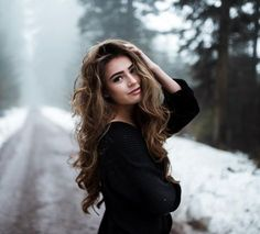 New Photography Poses Women Curves Pictures Ideas Photography Poses Women, Winter Photography, Girl Photography Poses, Photography Projects, Photography Backdrops, Photography Composition, Photography Supplies, Photo Backdrops, Photography Accessories