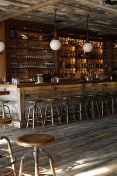 All Real Antique Wood Products - Holz Design Wood Restaurant, Restaurant Tables And Chairs, Restaurant Design, Rustic Basement Bar, Brewery Decor, Reclaimed Wood Bars, Pub Interior, Floor Design, How To Antique Wood
