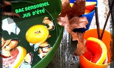 Les enfants auront bien du plaisir à créer des jus et s'amuser à vider, transvider ce jus magique. Comme les enfants joueront avec de la nourriture, on peut laisser une table où les enfants pourront manger des fruits séchés. Sangria, Pudding, Comme, Desserts, Food, Table, Eat Fruit, Raisin, Juice