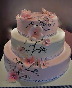 pink and black wedding cake-sincredible pastries