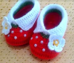 Crochet Bebe, Crochet For Kids, Baby Shoes, Baby Footwear, Clothes, Baby Things, Free, Knit Vest, Knitting Machine
