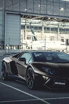 Lamborghini.Luxury, amazing, fast, dream, beautiful,awesome, expensive, exclusive car. Coche negro lujoso, increible, rápido, guapo, fantástico, caro, exclusivo.