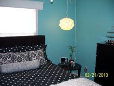 i have polka dot sheets u0026 a black ruffle spreadthis color will tiffany blue