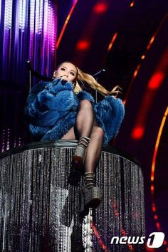 Image in 💎 Queen CL 💎 collection by Randomcute💖 Kpop Girl Groups, Korean Girl Groups, Kpop Girls, Cl Rapper, Chaelin Lee, Lee Chaerin, Cl 2ne1, Girls Run The World, Sandara Park