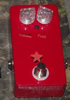 Mosrite Fuzzrite clone fuzz pedal by sprcustom on Etsy, $69.00