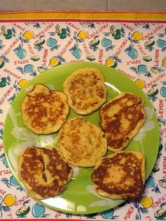 Greek Beauty, Amelie, Sweet Recipes, Zucchini, Pancakes, Vegetables, Desserts, Food, Tailgate Desserts