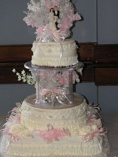 Design Wedding Cakes and Toppers: Vintage Wedding Cake Pictures Luxury Wedding Cake, Floral Wedding Cakes, Elegant Wedding Cakes, Wedding Cake Designs, Wedding Ideas, 25th Wedding Anniversary Cakes, Amazing Wedding Cakes, Fancy Cakes, Wedding Cake Toppers