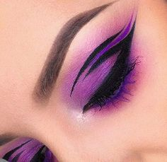 We can barely do ONE wing and @juscallmetara is over here slaying us with this…