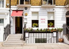 Brasserie Gustave is a premium restaurant in London which will leave your mouth salivating once you taste our delicious plates! Kensington And Chelsea, The Good Place, Brunch, Restaurant, London, Dining, Places, Outdoor Decor, Meet