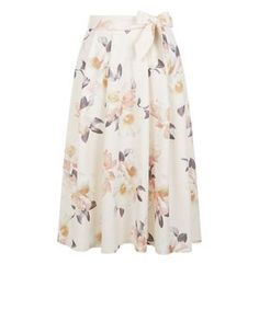 f427004c02d7 Co-ords are a big trend for 2016 and this floral two piece from New. New  Look