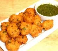 Get a quick recipe for methi moong dal pakore. It is a good option for tea time snacks and kitty parties snack.