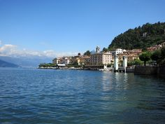 Lake Como is one of the most beautiful lakes in Italy, and at 29 miles long, there are plenty of places to stay. Here are some options of where to stay in Lake Como. Cambodia Beaches, Cambodia Travel, Lake Como Italy Hotels, Lac Como, Italian Water, Turu, European Destination, Visit Italy, Vacation Destinations