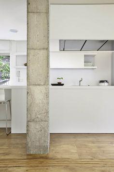 Reforma interior de vivienda en Barcelona / Marià Castelló Martínez