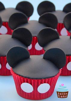 Mickey Mouse Cupcakes by www.jellycake.co.uk