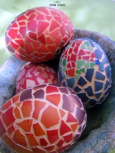 eggshell mosaic Easter eggs