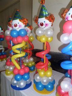 Centro mesa payaso con globos 2