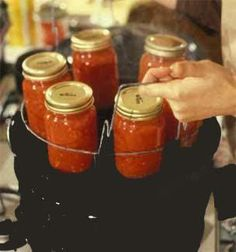 Make It: Home Canned. Information and recipes about canning your own fruits and vegetables: mermaidsofthelake. Canning Tips, Home Canning, Canning Recipes, Great Recipes, Favorite Recipes, Canned Food Storage, Long Term Food Storage, Meals In A Jar, Preserving Food