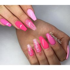 Shades of pink coffin nails glitter ombré summer nail art