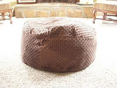 This looks easy!  I might finally recover the bean bag with something less cat hair keeping!  (think minky leafy green)