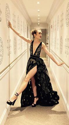 O estilo da... Lilly Collins - Claudia BartelleClaudia Bartelle