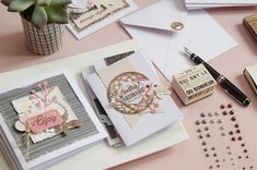 Avez-vous écrit à vos proches récemment ?! Non ?! Voici un joli set #carterie rien pour vous inspirer ! par Marie-Nicolas ALLIOT #cardmaking #carte #card #métaliks #stamping #stamp #tampon #papier #faitmaison #kesiart