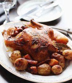 Nedeľné pečené kura - recept od Coolinári | food blog Food And Drink, Turkey, Treats, Baking, Blog, Restaurants, Sweet Like Candy, Goodies, Turkey Country