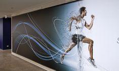 Ideas For Gym Wall Graphics Fitness Gym Design, Fitness Design, Wall Design, Studio Pilates, Black Accent Walls, Diy Photo Backdrop, Gym Interior, Gym Room, Best Gym