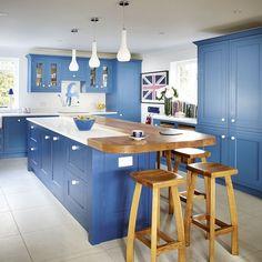 Blue coastal-inspired kitchen | Traditional kitchens | Kitchen design ideas | PHOTO GALLERY | Beautiful Kitchens | Housetohome.co.uk
