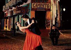 Belépő a Pesti Tangó Szalon különleges táncos előadására, ízletes, 3-fogásos latin vacsorával