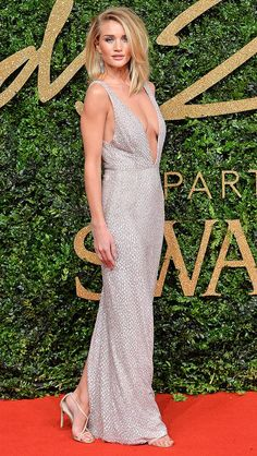 Rosie Huntington-Whiteley in a plunging Burberry dress