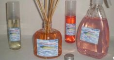 Aprende a hacer un aromatizador de ambiente casero: Homemade Reed Diffuser, Diy Cleaning Products, Smell Good, Bath Salts, Girly Things, Bubbles, Sweet Home, Home Appliances, Tips