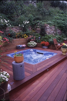 Splash away, the wood deck is protected by Thompson's Water Seal Advanced Natural Wood Protector.