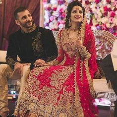 Beutifull bridal lahnga in red golden color Model# B 907 – Nameera by Farooq Indian Bridal Lehenga, Pakistani Wedding Dresses, Dream Wedding Dresses, Bengali Wedding, Lehenga Wedding, Pakistani Suits, Bridal Mehndi, Party Dresses, Vestidos
