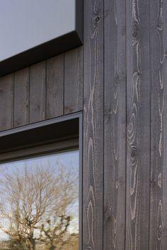 ideas for house facade design wood timber cladding Exterior Wall Cladding, House Cladding, Timber Cladding, Black Cladding, Wood Architecture, Residential Architecture, Contemporary Architecture, Exterior House Colors, Exterior Design
