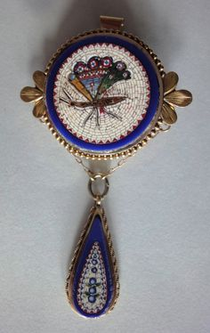 Micro Mosaic 18K Gold brooch/pendant first half 19s. | Collectors Weekly