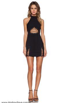 Vestido Preto com Ilhos - Vestidos | DMS Boutique