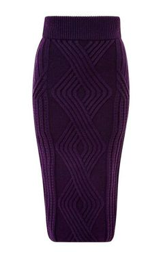 Knitting Patterns Skirt A skirt made of arans with knitting needles. Scheme of straight skirt with knitting needles Crochet Skirts, Knit Skirt, Wool Skirts, Crochet Clothes, Knit Dress, Knitwear Fashion, Crochet Fashion, Mode Crochet, Knit Crochet