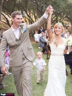 EXCLUSIVE: See Glee Star Heather Morris' 'Rustic' Wedding Cakes http://greatideas.people.com/2015/05/19/heather-morris-glee-wedding-cake/