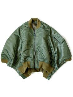 Raincoats For Women Polka Dots Look Fashion, Fashion Details, Womens Fashion, Fashion Design, Rain Jacket Women, Mode Inspiration, Military Fashion, Silhouettes, Work Wear