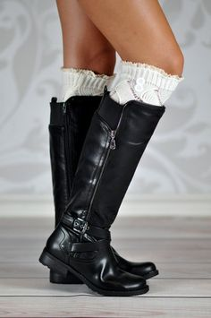 We've added buttons and some ruffled lace to the plain version of these cuffs for a little extra touch.The diamond patterned boot cuffs with two little rounded buttons add the uniqueness that your regular cuff needs. Your legs and boots will stand out and questions will be asked.   The open diamond shaped knit pattern and a layered double ruffled lace makes these cuffs the perfect accessory to you boots at a glance.