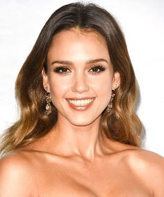 Celebrity hair changes tend to perk us up more on a Monday that our fifth cup of coffee. So, imagine our delight when, scrolling through what we missed on Instagram this weekend, we came across Jessica Alba's new crop. The actress snipped herself a...