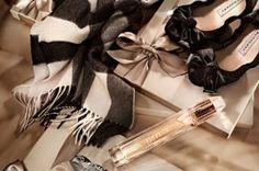 Пъстър и разнообразен е ретро стилът. Напълно различен можем да го видим на модните подиуми, пресъздаден в новите колекции на дизайнерите. Съвременната мода представлява един уникален сам по себе си свят, където живее и ретро стилът, носещ в себе си усещане за минало, настояще, дори и бъдеще  Четете още на: http://spisanievip.com/wp/?p=19057